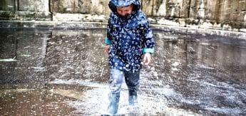77bf09b51e BOGS Footwear para manter as crianças secas e quentes no outono e inverno